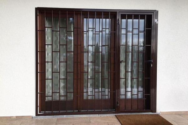Rejas para puertas cerrajer a rubio protege los accesos a tu hogar - Puertas de reja ...