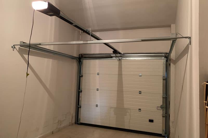 puerta seccional automatizada
