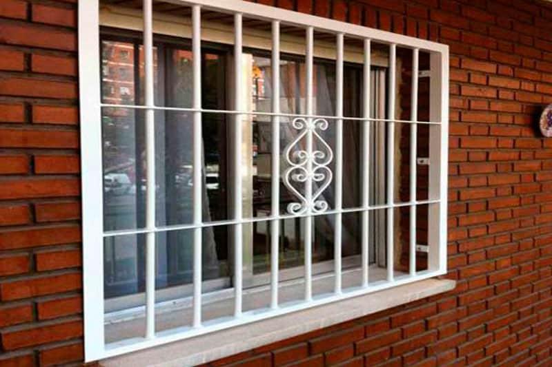 correcto mantenimiento de las rejas para ventanas