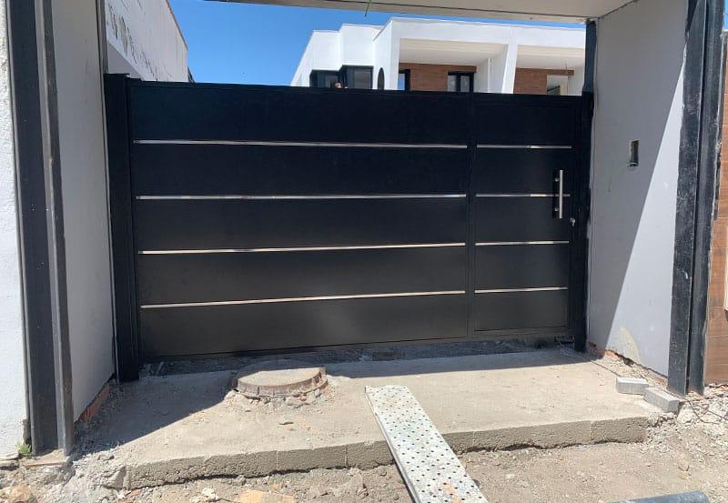 instalación de puertas para chalets